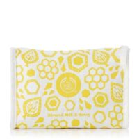 soothing-almond-milk-honey-delights-bag-1060110-soothingalmondmilkhoneydelightsbag-2-640x640